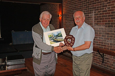 Roger Marsh presents Norman Browne with the 2016 trophy